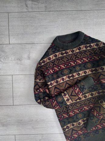 Не кусающийся свитер к брюкам на осень