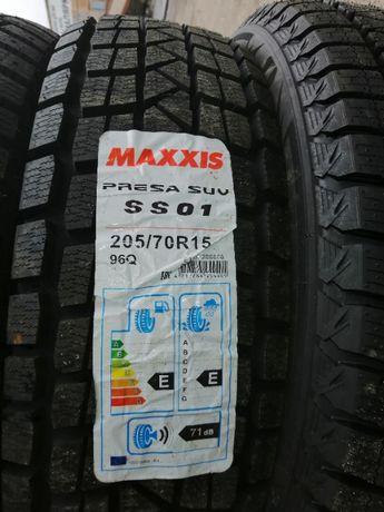 Зимние шины резина 205/70 R15 Maxxis PRESA SS-01 SUV ICE 2057015 215
