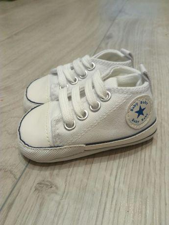 Trampki niechodki buty buciki niemowlęce 0-6 m