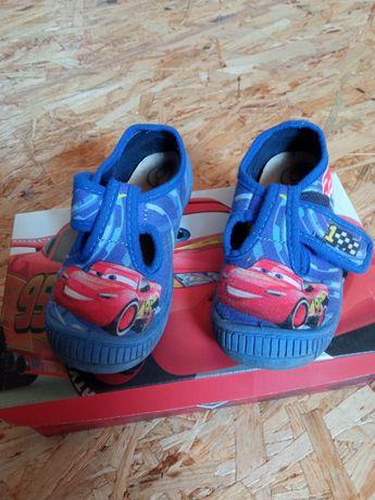Oddam za darmo buty buciki sandałki