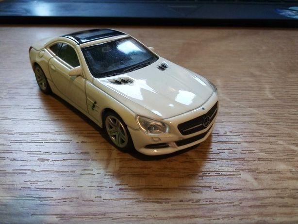 Model Mercedes SL500 1:43 wymienie za model do sklejenia
