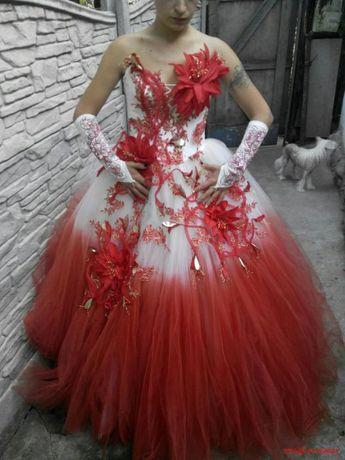 СРОЧНО!Продаётся Эксклюзивное Платье В Полном Комплекте!