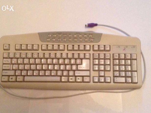 Клавиатура б/у Logitech Windows Multimedia Keyboard