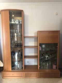 Cristaleira e bar em Faia maciça