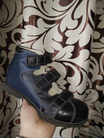 Продам кожаные ортопедические туфли, новое состояние