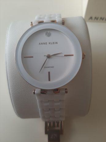 Продам часы ANNE KLEIN