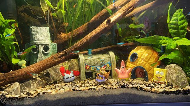 OZDOBY DO AKWARIUM Spongebob zestaw 9 elementów