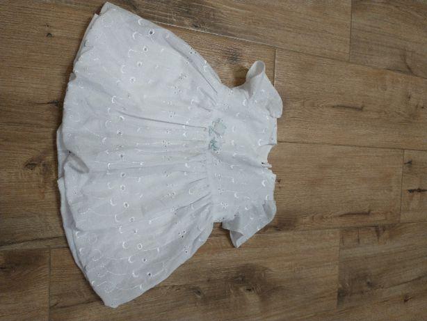 Biała sukienka z kwiatuszkiem rozm. 56