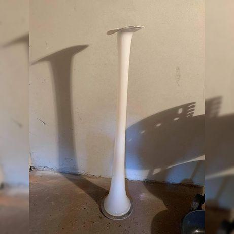 Wysoki wazon biały szklany