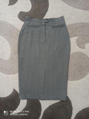 Шикарная брендовая шерстяная юбка карандаш maxmara 48-50 рр