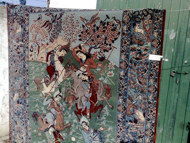 Tapeçaria em pura lã tecida