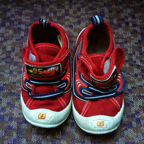 Ботінки , кеди взуття по 50 грн