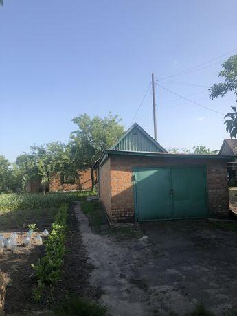 Дом з земельной площадью