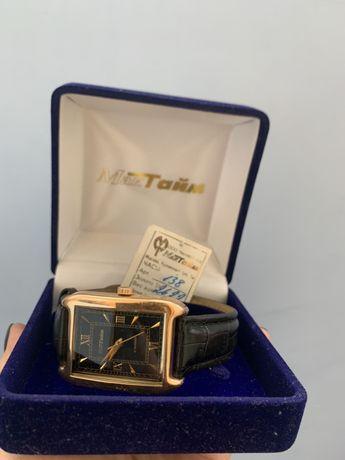 Мактайм золотые часы с коробкой