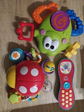Zabawki grające dla niemowlaka maluszka
