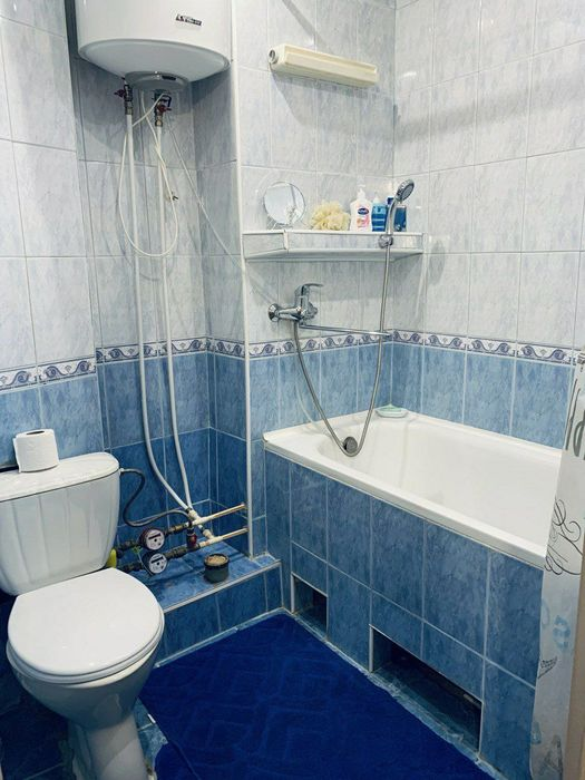 Своя 1-комнатная квартира посуточно метро Черниговская,ул.Сергеенко 23-1