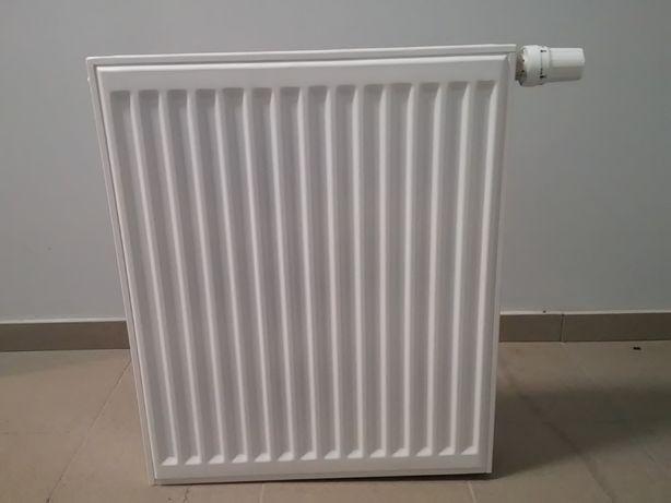 Grzejnik stalowy 60x50 Schlosser z zaworem termostatycznym