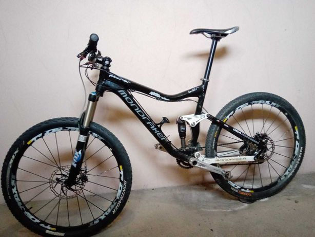 Bicicleta suspensão total - Mondraker