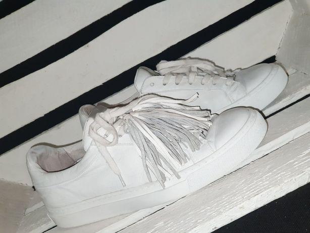 GIANMARKO trampki adidasy białe skóra roz. 36 frędzle
