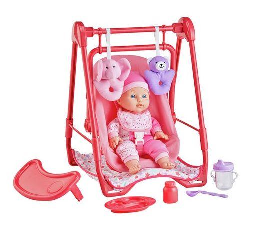 Lalka z krzeselkiem do karmienia i akcesoriami