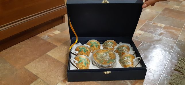 Набор чашек в коробке подарочный
