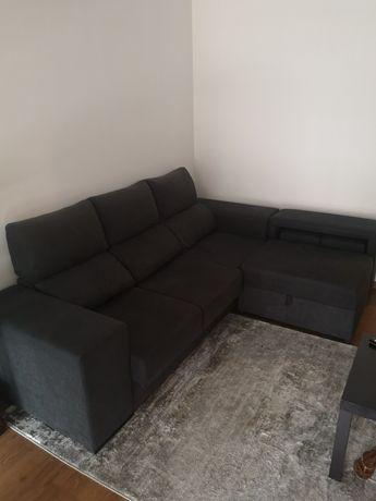 Sofá chaise + 2puffs + arrumação Novo