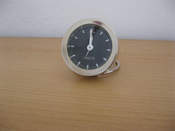 Zegarek zegar kwarcowy budzik