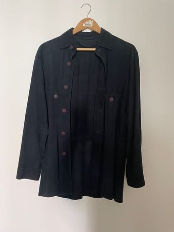 camiseiro de camurça azul
