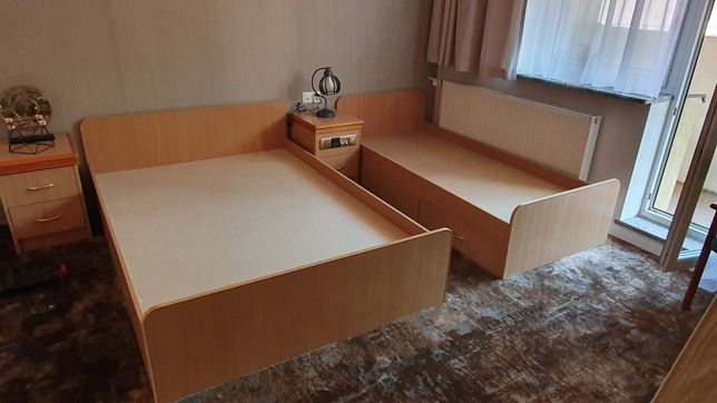 Łóżka hotelowe bardzo dobry stan