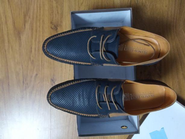 Продам люксовые мужские туфли . Натуральная кожа внутри и снаружи