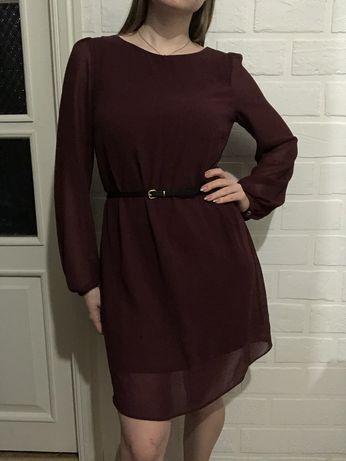Бордовое платье с рукавами