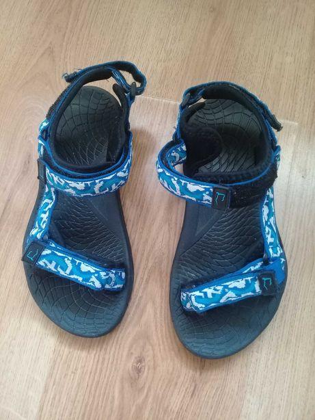 Nowe sandały trekingowe