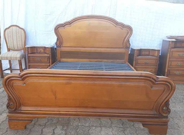 Mobília Quarto de casal em madeira de cerejeira  maciça