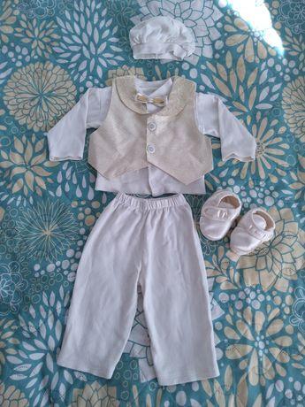 Нарядный костюм для новорождённого