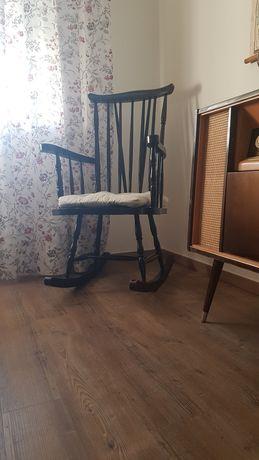 Cadeira de baloiço rabo de bacalhau antiga