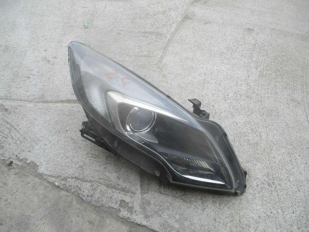 Opel Zafira III C lampa prawa przednia Reflektor prawy przedni