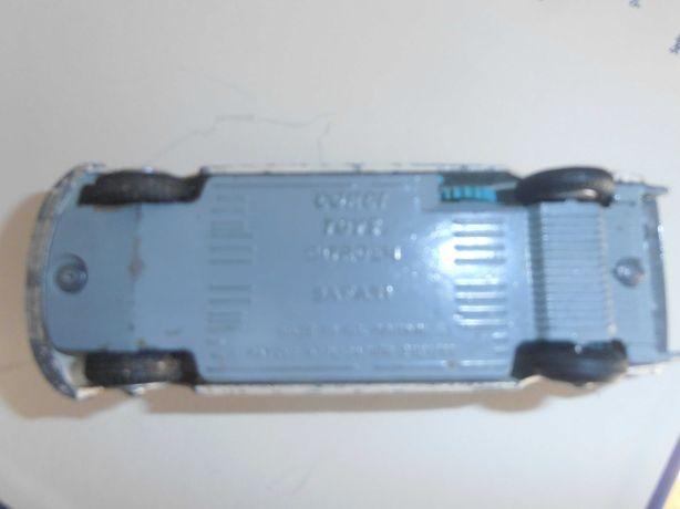 Carrinha miniatura Citroen DS com banco traseiro reclinável