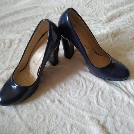 Жіночі туфлі 37 розміру