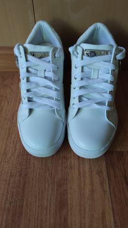кроссовки ботинки сникерсы Guess