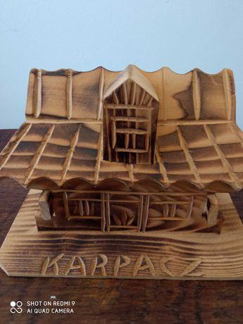 Drewniana skarbonka Karpacz