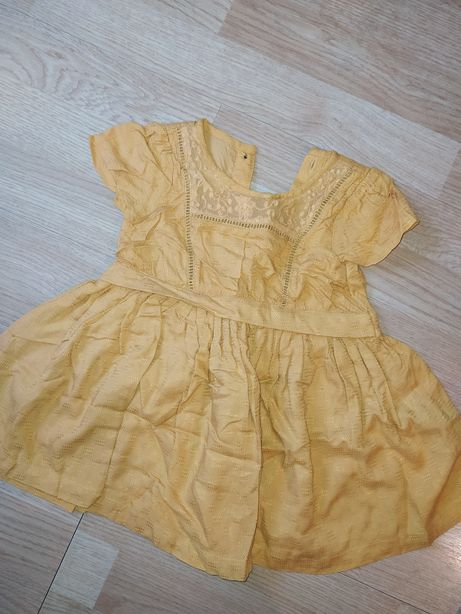 Musztardowa sukienka 80