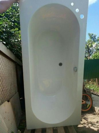Акриловая ванна в идеальном состоянии