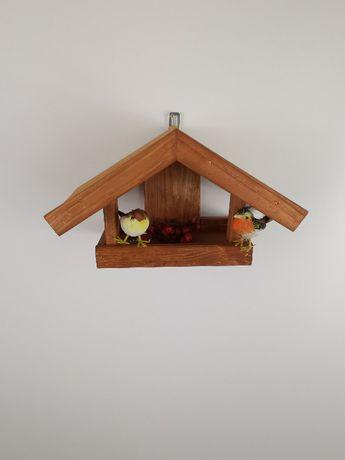 Malowany karmnik dla ptaków