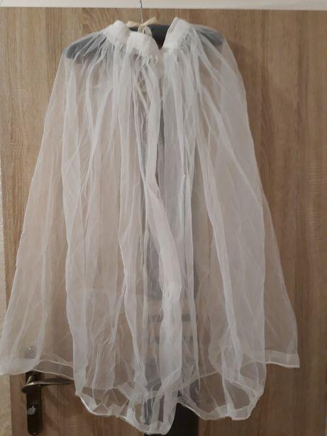 Halka podnoszące suknię