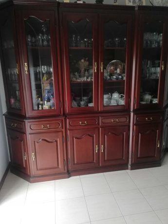 Móvel de sala em mogno usado