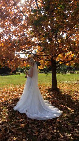 Весільна сукня відомого бренду