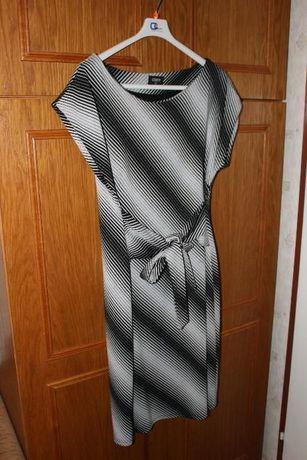 Sukienka w paski rozm. 44