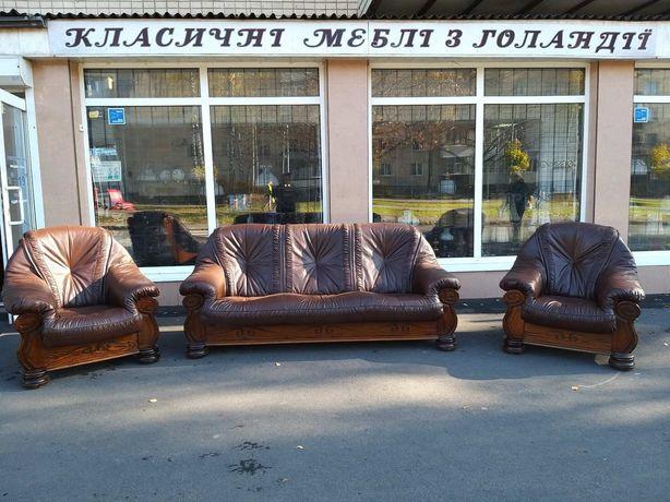 Диван и два кресла, кожаная мебель