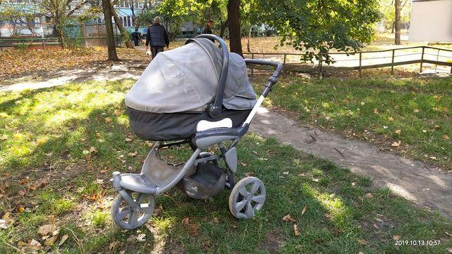 Италянская коляска для новорожденного со сйемной люлкой
