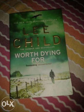 Livro em Inglês Worth Dying For